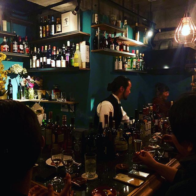 @bar_yuukokuのオープニングパーティーにお邪魔してきました!おめでとうございます素晴らしいサービスと内装に感服した後、僕たちはまた朝まで仕事です🙃#yamaguchi #山口 #craftbeer #brewery #bar #shimokitazawa #下北沢 #beer #groumet #美味しい#brown #white #black #purple #red #tokyo #東京 #japan #authentic - from Instagram