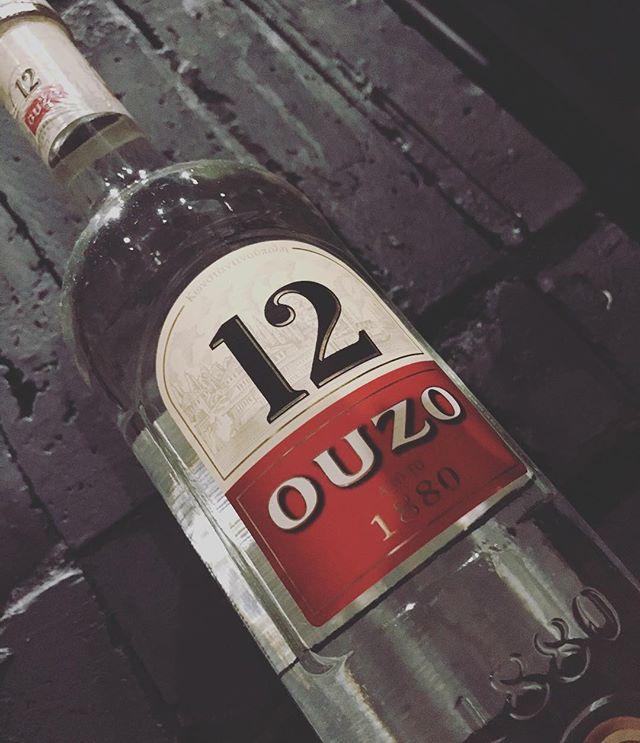 「ouzo ウーゾ」ギリシャの国民的なお酒。10種類以上のハーブ、スパイスがブレンドされており、芳醇なアニスの香りがします。好き嫌いが分かれるお酒ですね。#bar #johndoe #shimokitazawa #whiskey #cocktails #beer #wine #foods #pasta #bourbon #new #下北沢 #南西口 #バー #1人呑み #隠れ家 #カクテル #ワイン #パスタ #グラタン #食事 #山口県 #二次会 #デート #深夜営業 #貸切#ouzo #ウーゾ#ギリシャ#アニス本日の下北沢BarJohnDoe