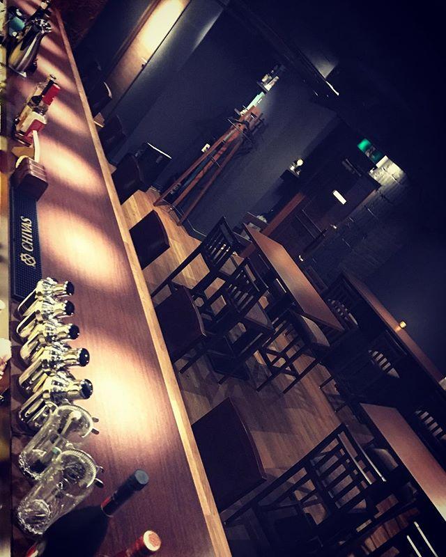 本日も通常営業しております。#bar #johndoe #shimokitazawa #whiskey #cocktails #beer #wine #foods #pasta #bourbon #new #下北沢 #南西口 #バー #1人呑み #隠れ家 #カクテル #ワイン #パスタ #グラタン #食事 #山口県 #二次会 #デート #深夜営業 #貸切#日曜日 #通常営業 #広々 #しずかな時間本日の下北沢BarJohnDoe
