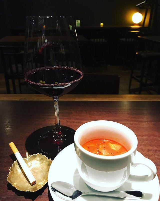 今日は本当に寒いですね。温かいミネストローネをご用意しました!もちろん、お通しでお出ししますよー!(^-^) #bar #johndoe #shimokitazawa #whiskey #cocktails #beer #wine #foods #pasta #bourbon #new #下北沢 #南西口 #バー #1人呑み #隠れ家 #カクテル #ワイン #パスタ #グラタン #食事 #山口県 #二次会 #デート #深夜営業 #貸切 #minestrone #ミネストローネ #tomato #トマト本日の下北沢BarJohnDoe