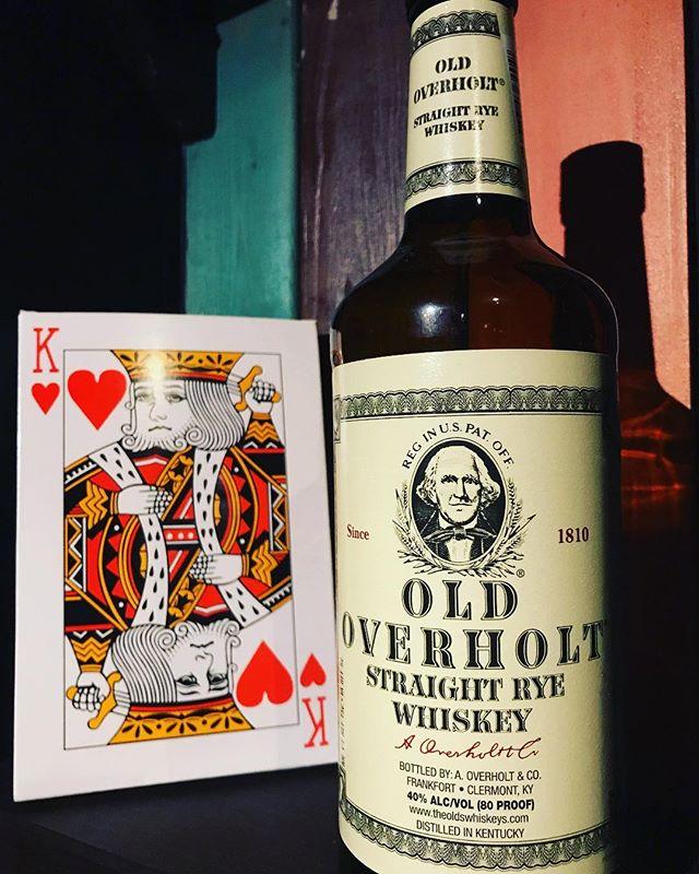 「OLD OVERHOLT  オールドオーバーホルト」ストレートライウイスキー。ライ麦使用規定が通常51%のところを59%使用しています。#bar #johndoe #shimokitazawa #whiskey #cocktails #beer #wine #foods #pasta #bourbon #new #下北沢 #南西口 #バー #1人呑み #隠れ家 #カクテル #ワイン #パスタ #グラタン #食事 #山口県 #二次会 #デート #深夜営業 #貸切 #oldoverholt #オールドオーバーホルト #rye #ライウイスキー本日の下北沢BarJohnDoe
