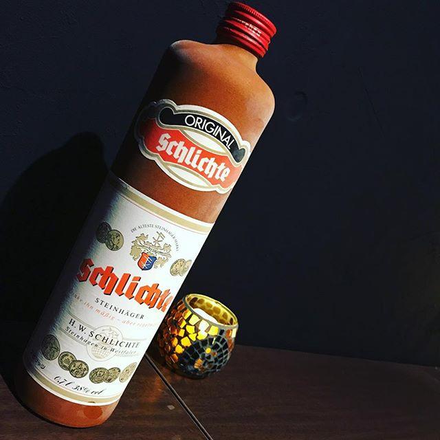 「STEINHAGER  シュタインヘーガー」ドイツ生まれのジン。ドイツではビールを飲む前や食後には必ずシュタインヘーガーを一杯を飲むことが習慣になっているらしいですよ。#bar #johndoe #shimokitazawa #whiskey #cocktails #beer #wine #foods #pasta #bourbon #new #下北沢 #南西口 #バー #1人呑み #隠れ家 #カクテル #ワイン #パスタ #グラタン #食事 #山口県 #二次会 #デート #深夜営業 #貸切 #schlichte #steinhager #シュタインヘーガー #ドイツ本日の下北沢BarJohnDoe