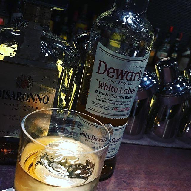 「Godfather  ゴッドファーザー」ウイスキーにアマレットを合わせて飲みやすいカクテルになっています。昨日は、イベントに参加して頂いた方々お疲れ様でした!次はお正月くらいに予定しています。#bar #johndoe #shimokitazawa #whiskey #cocktails #beer #wine #foods #pasta #bourbon #new #下北沢 #南西口 #バー #1人呑み #隠れ家 #カクテル #ワイン #パスタ #グラタン #食事 #山口県 #二次会 #デート #深夜営業 #貸切 #godfather #アマレット #ゴッドファーザー本日の下北沢BarJohnDoe