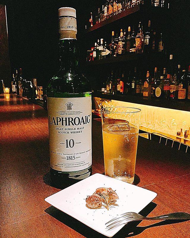本日は、砂肝をガーリックとローズマリーでソテーしてみました!ラフソーダと一緒にどうでしょうか?#bar #johndoe #shimokitazawa #whiskey #cocktails #beer #wine #foods #pasta #bourbon #new #下北沢 #南西口 #バー #1人呑み #隠れ家 #カクテル #ワイン #パスタ #グラタン #食事 #山口県 #二次会 #デート #深夜営業 #貸切 #laphroaig #ラフロイグ #砂肝 #gizzard本日の下北沢BarJohnDoe