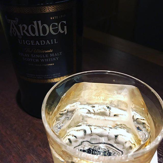 本日も、通常営業しております。#bar #johndoe #shimokitazawa #whiskey #cocktails #beer #wine #foods #pasta #bourbon #new #下北沢 #南西口 #バー #1人呑み #隠れ家 #カクテル #ワイン #パスタ #グラタン #食事 #山口県 #二次会 #デート #深夜営業 #貸切 #ice #diamond #ardbeg #uigeadail本日の下北沢BarJohnDoe
