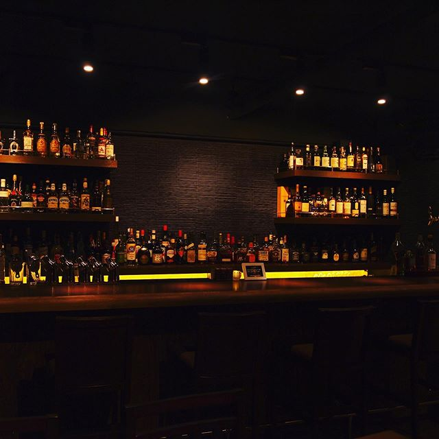 明けましておめでとうございます!Bar John Doeは本日より、通常営業しております。本年も宜しくお願い致します!#bar #johndoe #shimokitazawa #whiskey #cocktails #beer #wine #foods #pasta #下北沢 #南西口 #バー #1人呑み #隠れ家 #カクテル #ワイン #パスタ #グラタン #食事 #山口県 #二次会 #デート #深夜営業 #貸切#2020#本日#通常営業#よろしくお願いします本日の下北沢BarJohnDoe